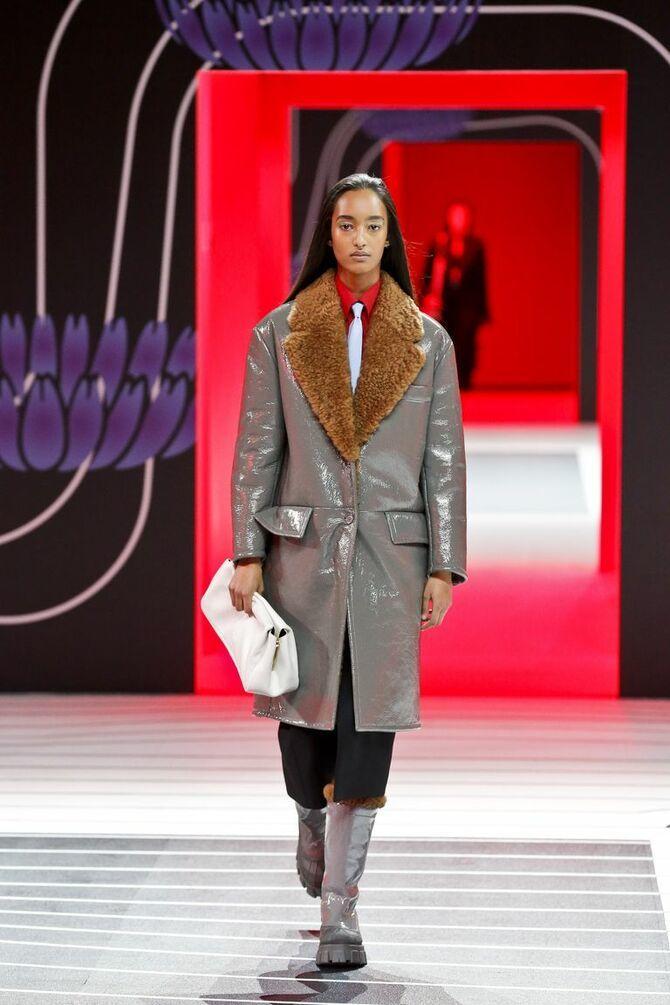 Шкіряні пальта 2020-2021: модні осінні аутфіти 3