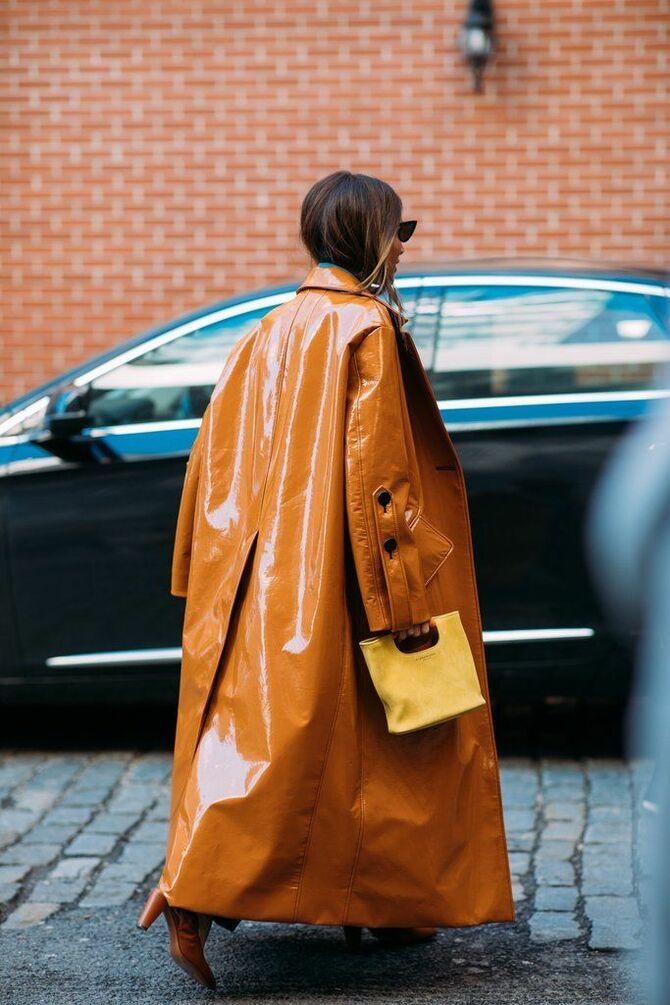 Шкіряні пальта 2020-2021: модні осінні аутфіти 20