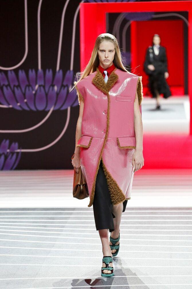 Шкіряні пальта 2020-2021: модні осінні аутфіти 4