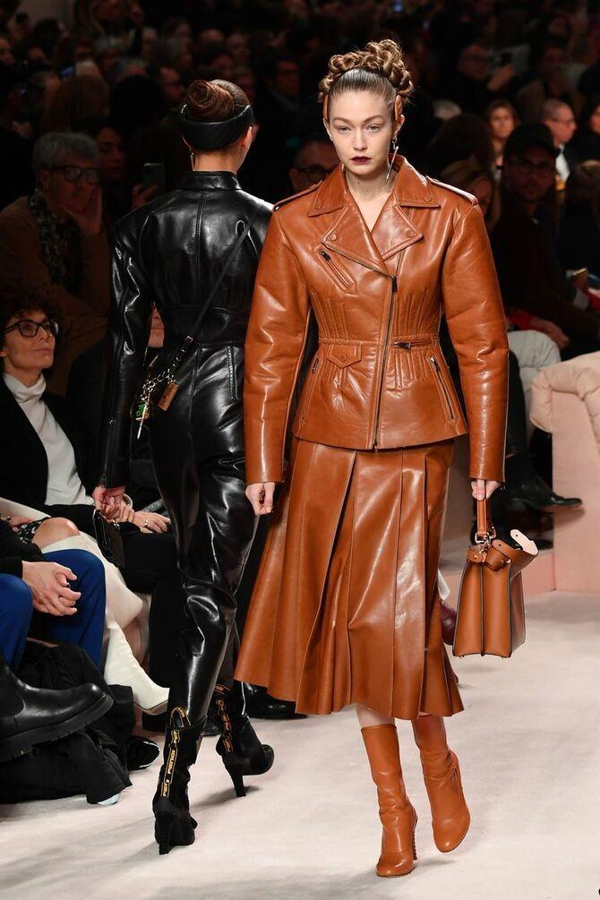 Шкіряні пальта 2020-2021: модні осінні аутфіти 7
