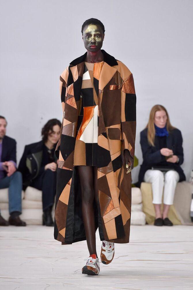 Шкіряні пальта 2020-2021: модні осінні аутфіти 8