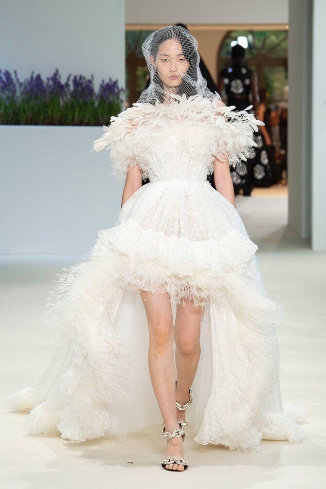 Короткие свадебные платья 2021-2022 35