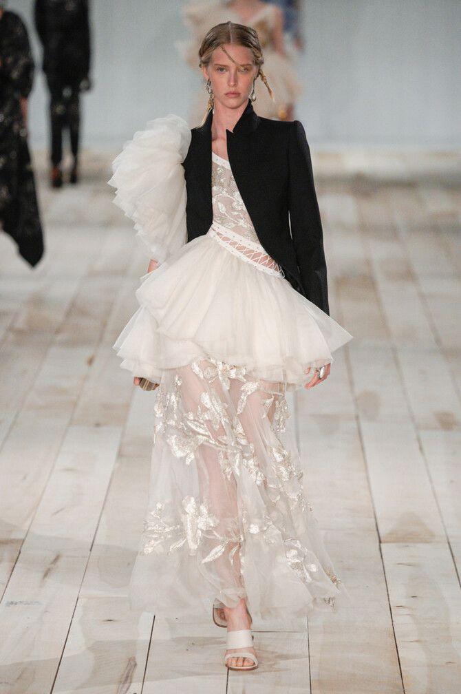 Короткі весільні сукні 2020-2021 40