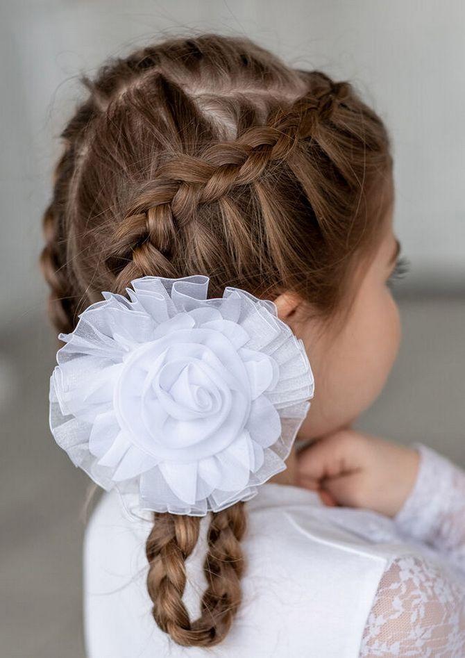 Зачіска з 1 бантом для дівчинки: стильні ідеї на 1 вересня 18
