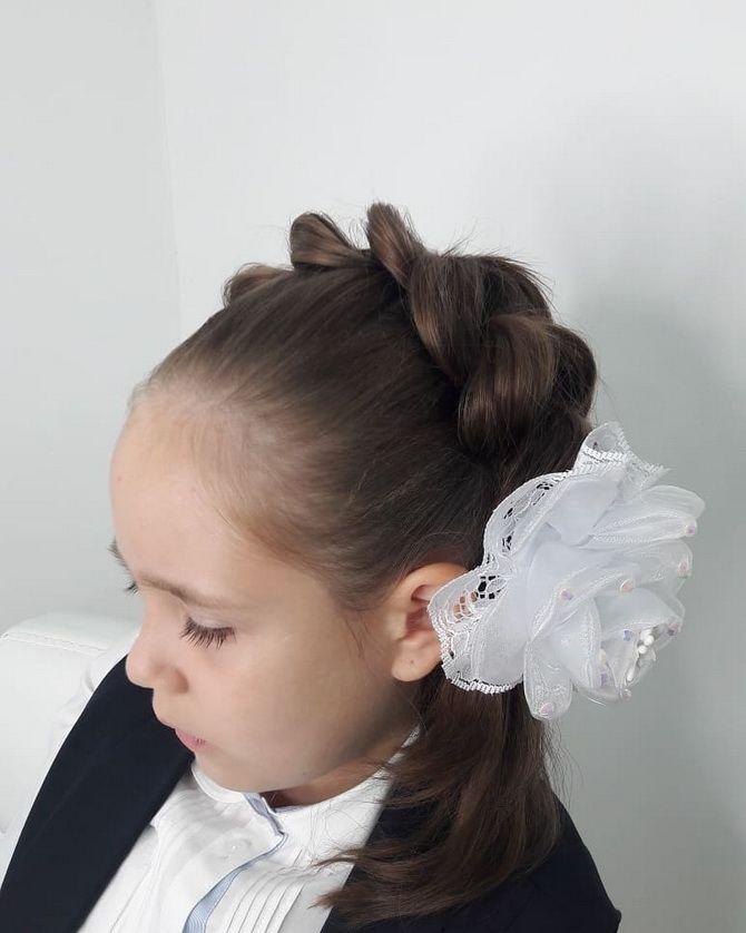 Зачіска з 1 бантом для дівчинки: стильні ідеї на 1 вересня 17