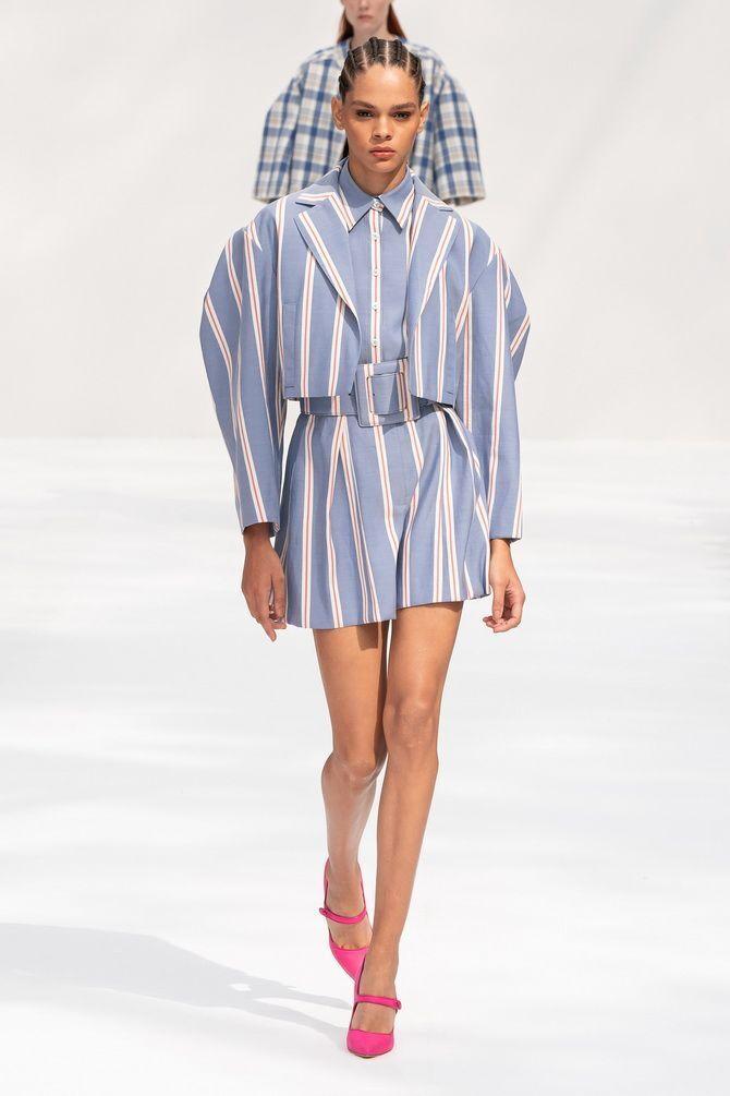 Модная одежда в полоску: тренды 2021-2022 года 3