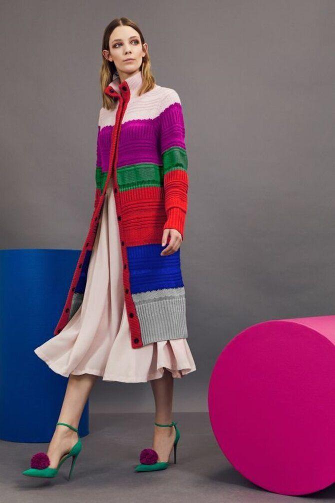 Модная одежда в полоску: тренды 2021-2022 года 8