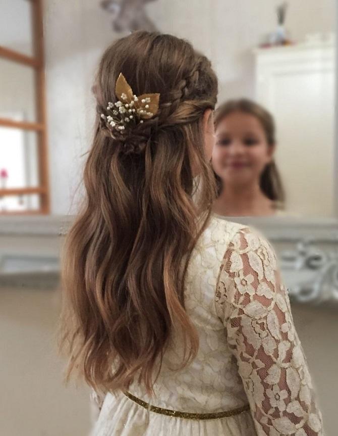 Красиві зачіски на 1 вересня з розпущеним волоссям для дівчаток 3