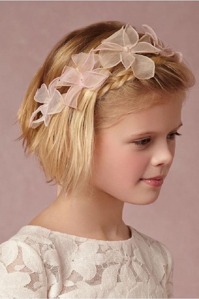 Красиві зачіски на 1 вересня з розпущеним волоссям для дівчаток 38