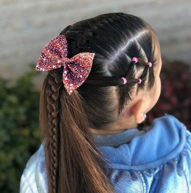 Прическа с 1 бантом для девочки: стильные идеи на 1 сентября 35