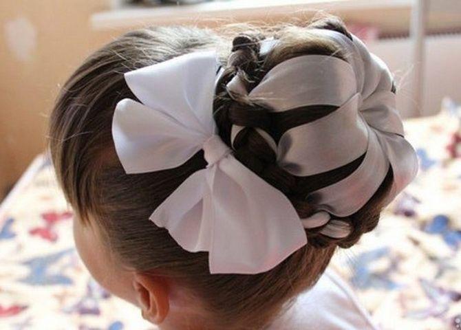 Зачіска з 1 бантом для дівчинки: стильні ідеї на 1 вересня 12