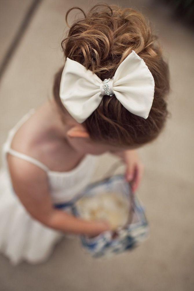 Зачіска з 1 бантом для дівчинки: стильні ідеї на 1 вересня 13