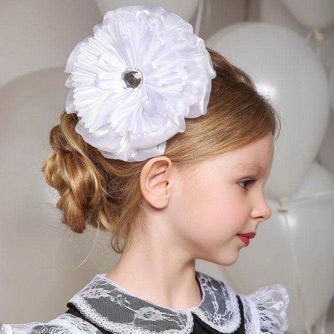 Зачіска з 1 бантом для дівчинки: стильні ідеї на 1 вересня 15