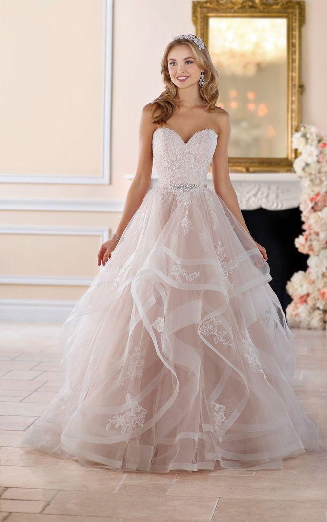 Цвета свадебных платьев 2021: основные тренды 27
