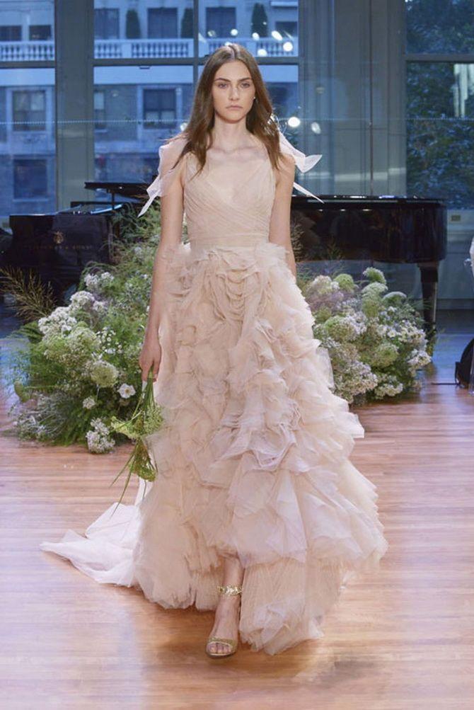 Кольори весільних суконь 2021: основні тренди 28