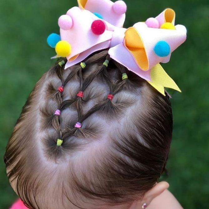 Зачіска з 1 бантом для дівчинки: стильні ідеї на 1 вересня 26