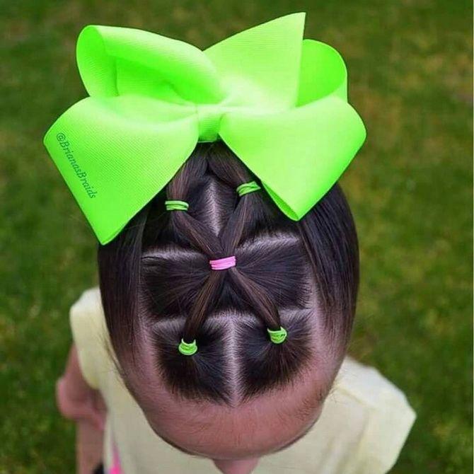 Зачіска з 1 бантом для дівчинки: стильні ідеї на 1 вересня 28