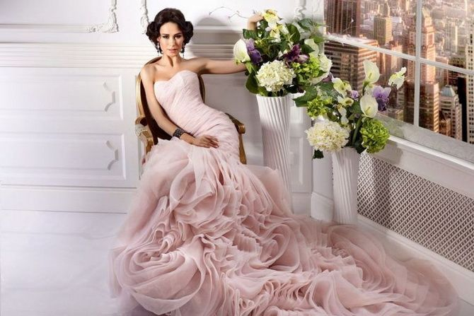 Цвета свадебных платьев 2021: основные тренды 34