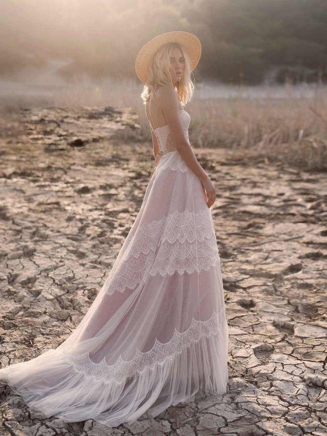 Кольори весільних суконь 2021: основні тренди 35