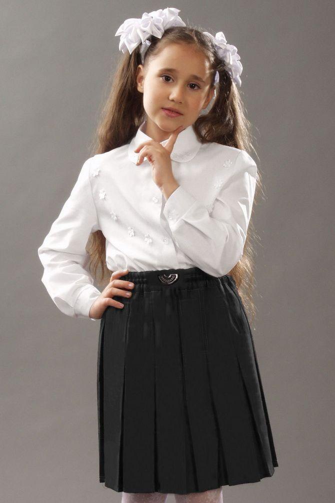 Модна шкільна форма для дівчат: стильні фото 2020-2021 року 19
