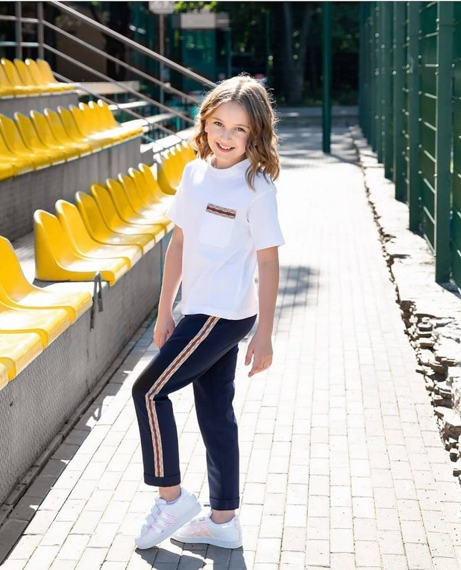 Модний одяг для підлітків 2021-2022: складаємо стильний гардеробчик 29