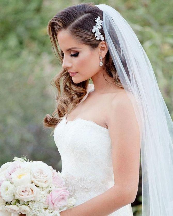 Свадебные прически 2021: шикарные идеи для торжества 16