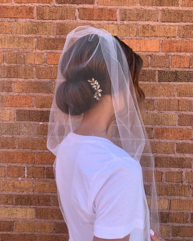 Свадебные прически 2021: шикарные идеи для торжества 19