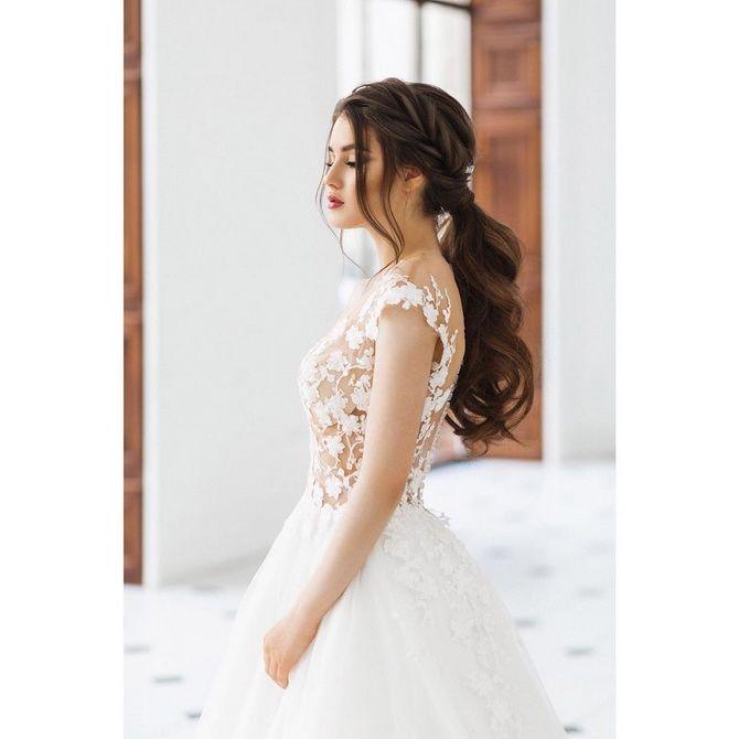 Свадебные прически 2021: шикарные идеи для торжества 23