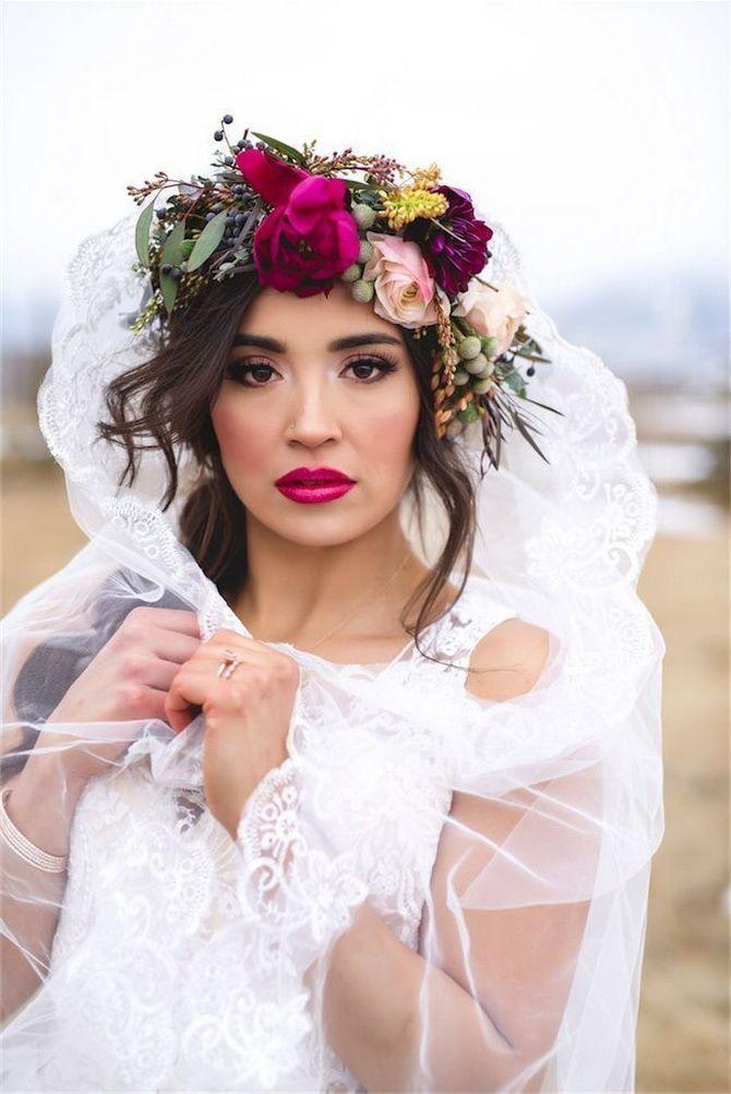 Свадебные прически 2021: шикарные идеи для торжества 30