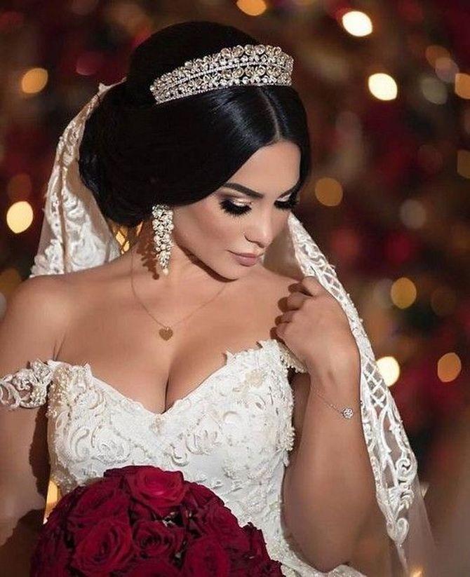 Свадебные прически 2021: шикарные идеи для торжества 10