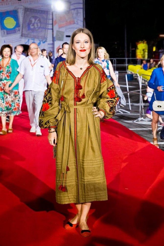 Платья с вышивкой — лучшие модели сезона 2021-2022 40