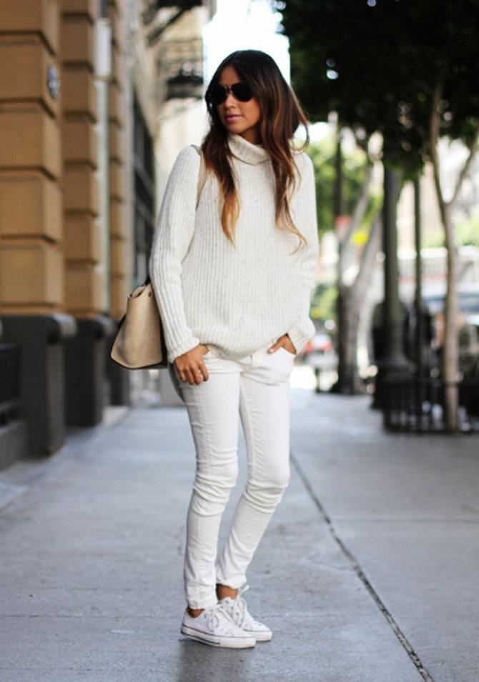 Как носить белые джинсы: создаем уютные осенние луки 24
