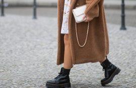 З чим носити мартінси у 2020-2021 році: стильні образи з черевиками Dr. Martens