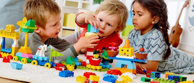 Конструктор Lego или Что лучше подарить ребенку на День рождения
