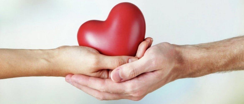 Привітання з Міжнародним днем благодійності – листівки, вірші, проза