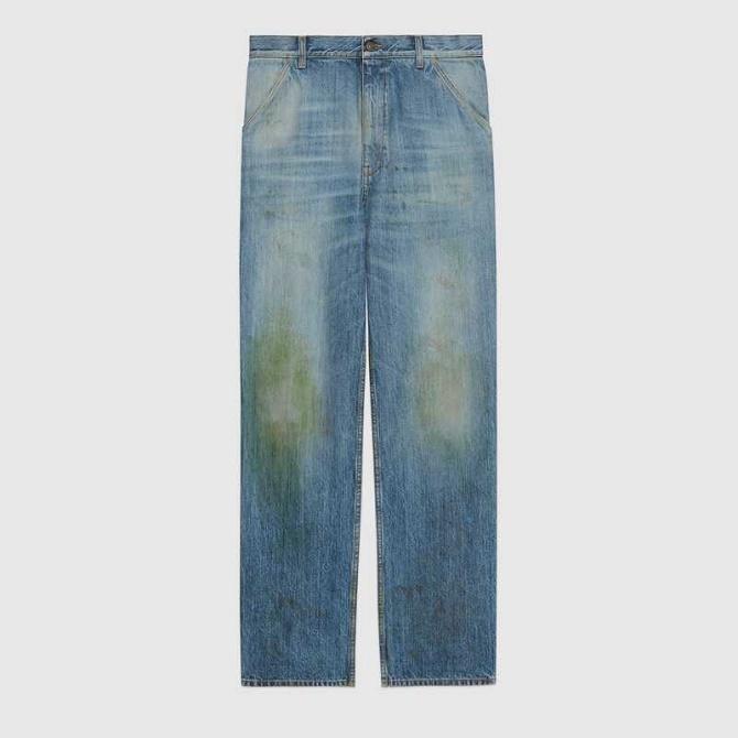 Gucci выпустил модные джинсы с пятнами от травы за $700: как пользователи сети высмеяли «грязные» штаны 1