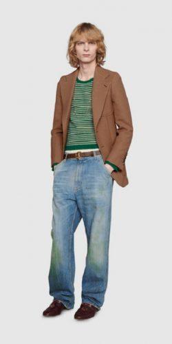 Gucci выпустил модные джинсы с пятнами от травы за $700: как пользователи сети высмеяли «грязные» штаны 2