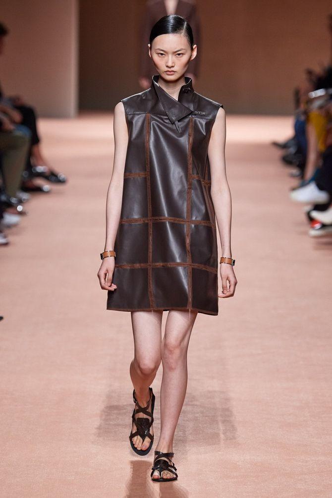 Кожаное платье: самая модная тенденция 2020-2021 года 11