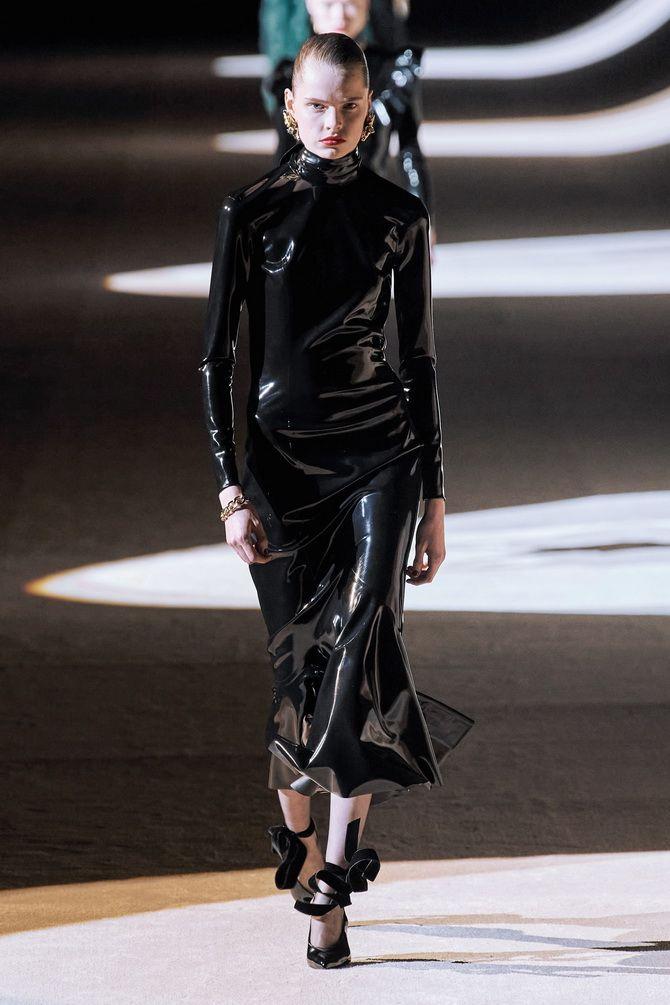 Кожаное платье: самая модная тенденция 2020-2021 года 7