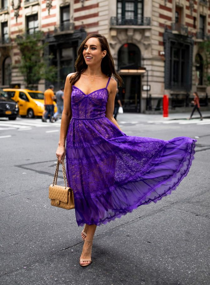 Кружевные платья: самый женственный тренд 2020-2021 года 11