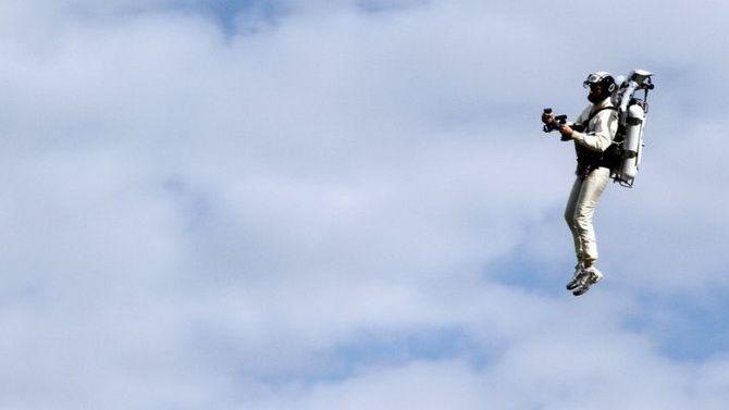 «Хлопця в реактивному ранці» помітили на висоті 900 метрів біля аеропорту в Лос-Анджелесі 1