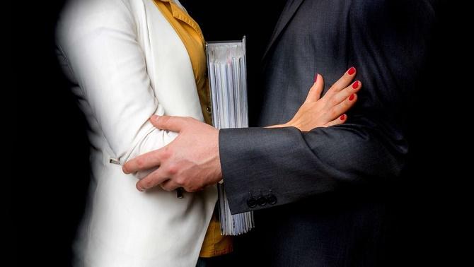 Секс-скандал в SpaceX: стажист подала в суд на компанію через домагання 2