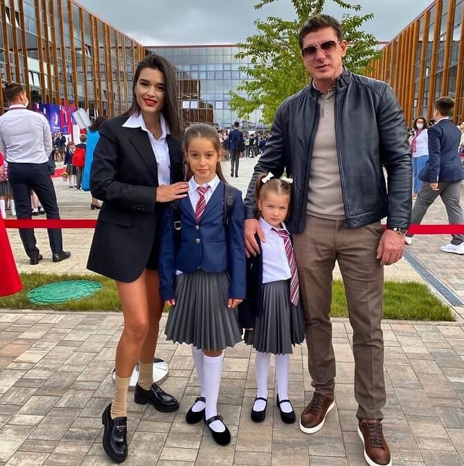 Ксенія Бородіна з дітьми