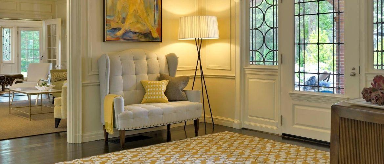 Как выбрать диван для прихожей: особенности мебели