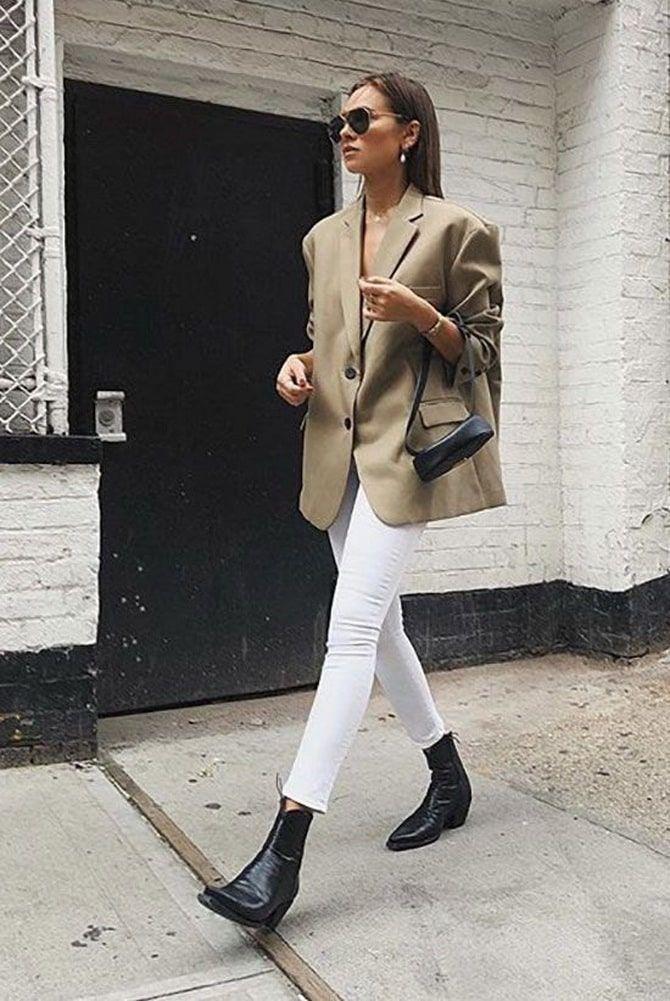 Как носить белые джинсы: создаем уютные осенние луки 18