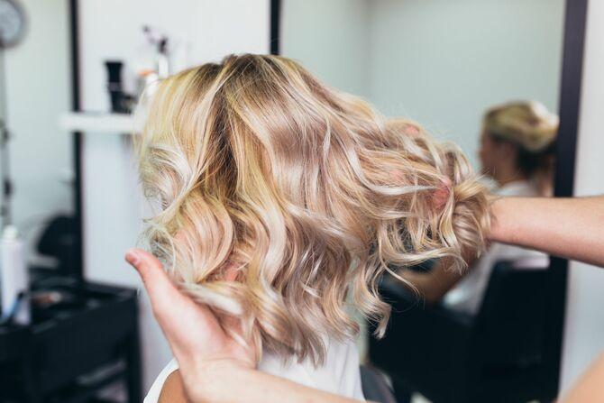 Як зберегти ідеальний блонд: догляд за світлим волоссям 5