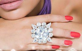 Как носить золотые кольца с бриллиантом: 5 советов на каждый день
