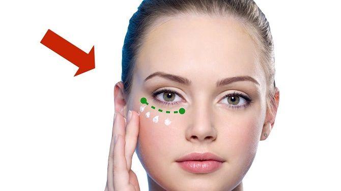 Як підібрати і наносити крем навколо очей: головні лайфхаки 9