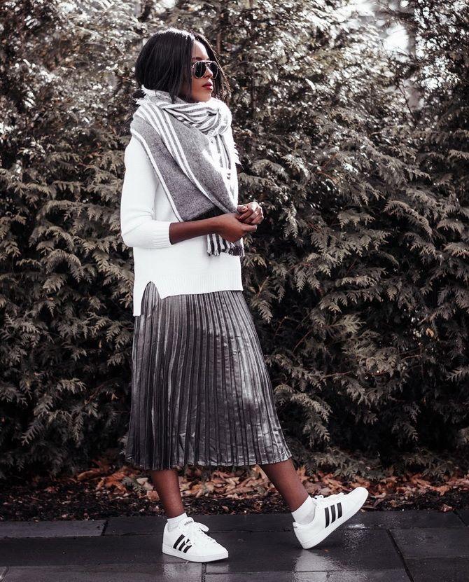 З чим носити сріблясту спідницю – актуальний тренд осені 21
