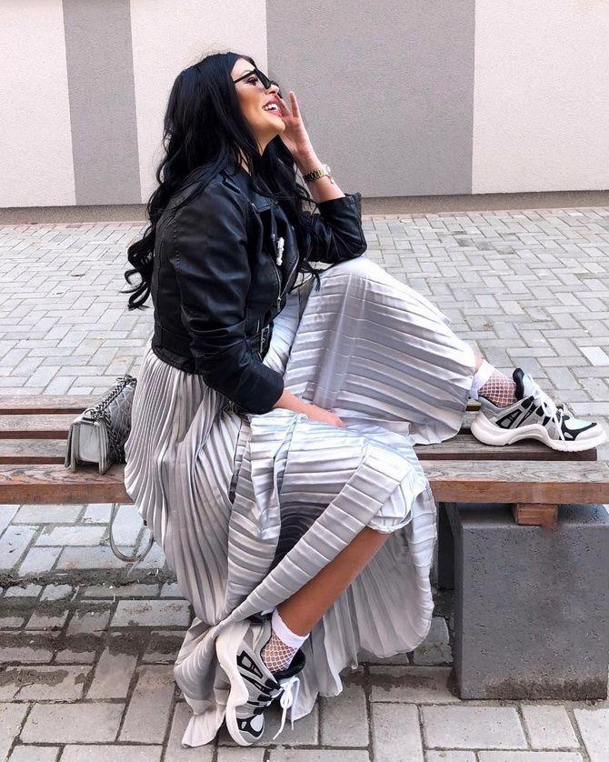 З чим носити сріблясту спідницю – актуальний тренд осені 20